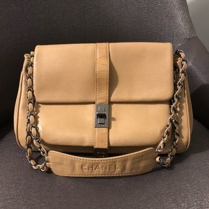 Authentic Chanel Beige 2.55 Reissue Turnlock Bag